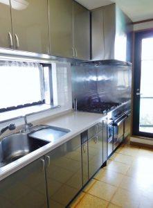 浄水器・食洗器・ガスオーブン・足元温風付システムキッチン