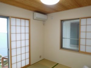 リビング横の4.5帖の和室