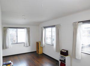 2階12帖の洋室。お子様の成長にあわせて2分割可能です。