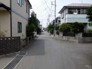 開発分譲地内だから前面道路は約4.5mです
